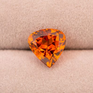 Abbildung Mandarin Granat, Edelstein in Orange, 4,36 ct.