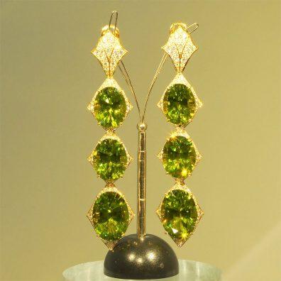 Peridot Gold-Ohrringe, 6 grüne Edelsteine in Gold gefasst